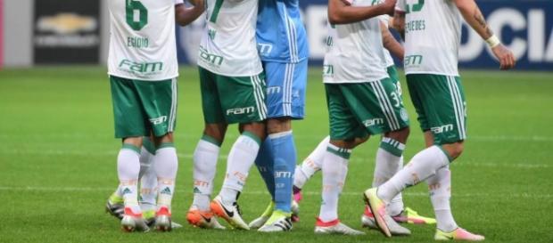Palmeiras jogou bem em casa e venceu
