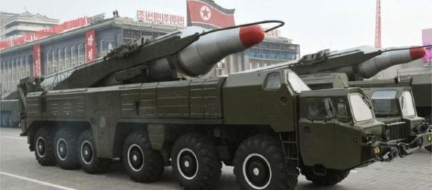 Tanques con misiles en Corea del Norte
