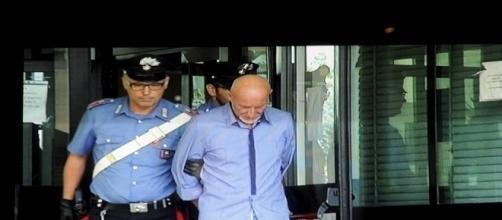 Roberto Garini al momento dell'arresto per l'omicidio della 44enne Emanuela Preceruti (foro: Repubblica.it)