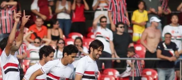 São Paulo encara o Sport no Morumbi