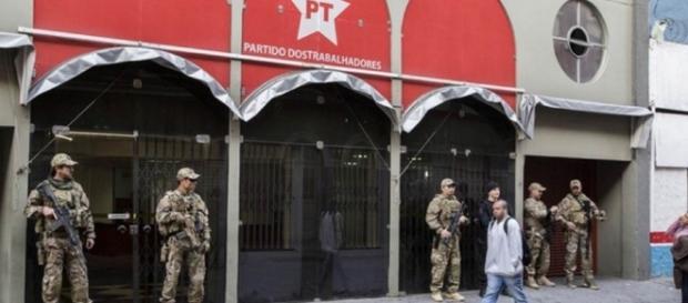 Sede do PT é alvo da Polícia Federal