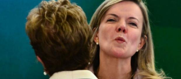 Senadora não aparece para defender Dilma