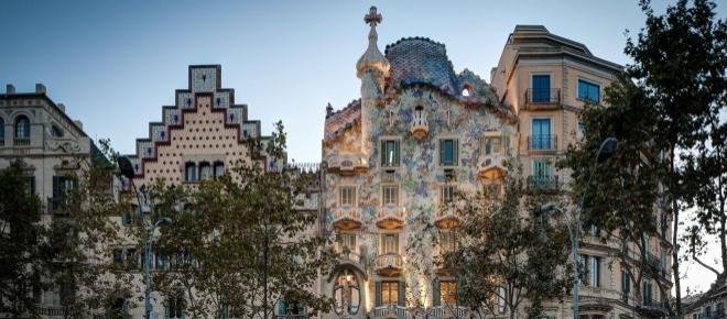 Dónde salir a comer y tomarse una cerveza barato en Barcelona