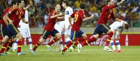 Espanha vence nos pênaltis e enfrenta o Brasil na final   Esportes ... - com.br