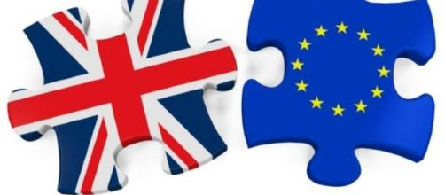Brexit, cosa cambia in Europa: telefonata Renzi-Merkel