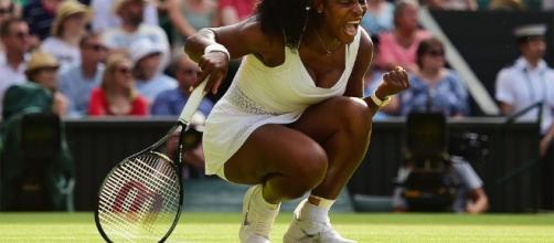Serena Williams rallies from 3-0 third-set hole to survive ... - foxsports.com