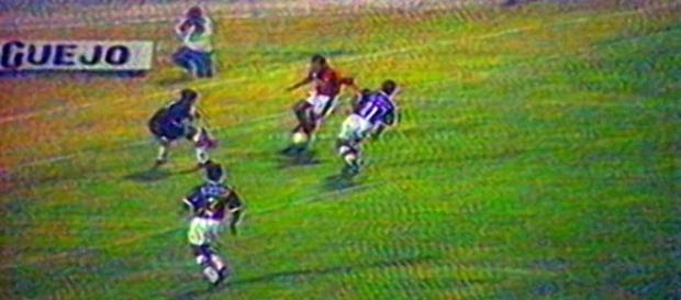 Fla-Flu no Amigão, em Campina Grande, pelo Brasileirão de 95 (Foto: Reprodução/Youtube)
