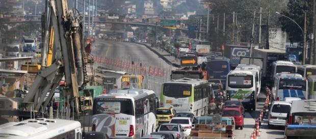Nova interdição na Avenida Brasil