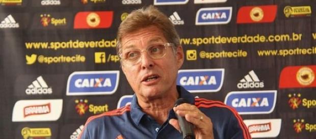 Oswaldo de Oliveira, técnico do Sport