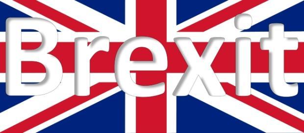 Vince la Brexit con il 51.9%. Gran Bretagna fuori dall'Unione.