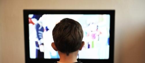Estudos demonstram que a publicidade de alimentos afeta mais as crianças