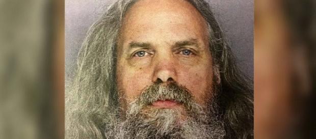 Hombre tenia en su casa 12 niñas. Fue acusado de abuso de menores