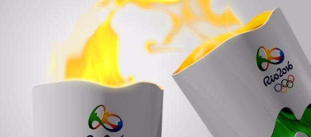 Cidadão tentou apagar a chama da tocha em Cuiabá