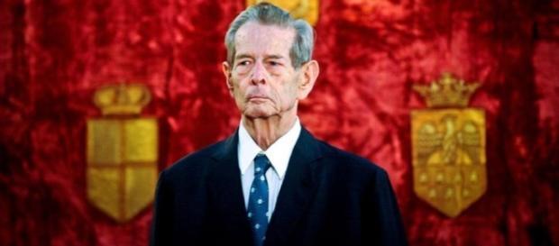 Regele Mihai și-a plătit datoriile către stat, dar nu renunță la proces. Foto: facebook