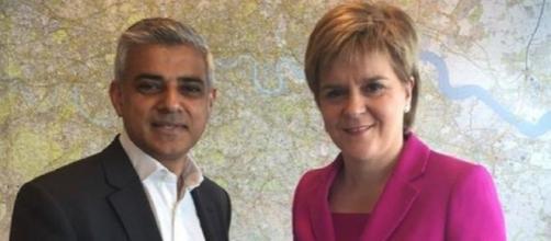 Il sindaco di Londra, Sadiq Khan, ed il premier scozzese Nicola Sturgeon