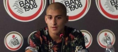 L'attaccante del Bari, Giuseppe De Luca.