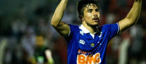 Willian marcou duas vezes na vitória sobre o Palmeiras