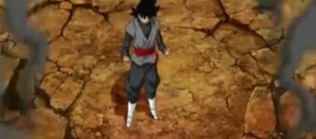 Black Goku preparandose para lanzar un ataque