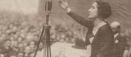 Clara Campoamor, defensora del sufragismo en España y principal responsable del derecho al voto de la mujer.