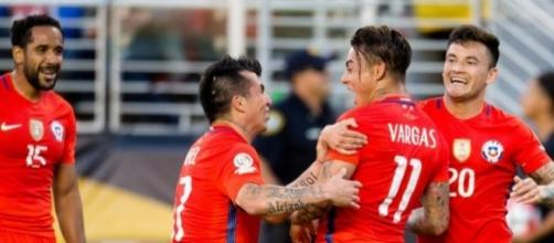 L'esultanza dei giocatori cileni, 'campioni del Centenario'