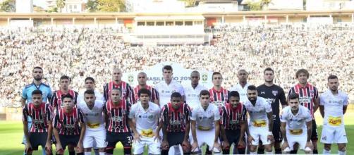 São Paulo e Santos foram para o Pacaembu no mesmo ônibus antes da partida deste domingo