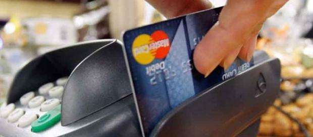 Fuerte caída del consumo con tarjetas de crédito