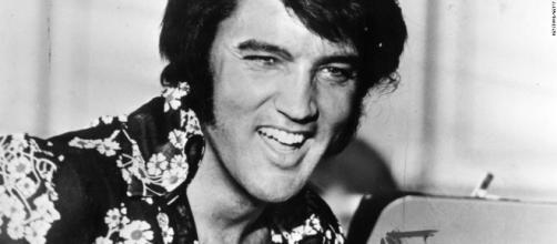 Elvis Presley's physician, 'Dr. Nick,' dies at 88 - CNN.com - cnn.com