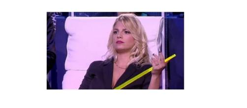 Gossip: Emma Marrone 'bacchetta' alcuni fans su Twitter.