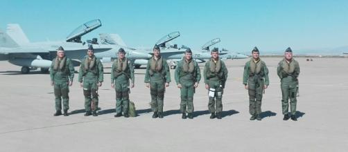 Los hoy generales entonces capitanes que en 1986 trajeron los primeros F-18. MDE