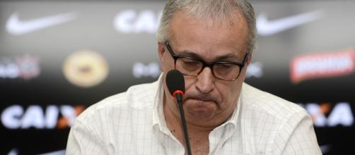 O presidente Roberto de Andrade avalia o atacante Getterson