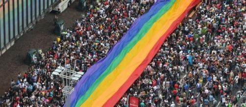 Pesquisa revelou as posições políticas dos participantes da Parada LGBT