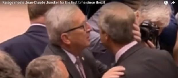 Nigel Farage a primit un pupic de la șeful Comisiei Europene