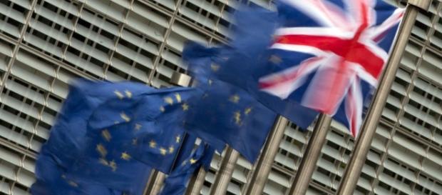 Scenari - Il nodo Brexit, cosa è in gioco a Bruxelles | l'Unità TV - unita.tv