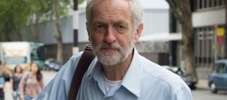 Anyone But Corbyn: Veteran Labour MPs unite against left-wing ... - mirror.co.uk