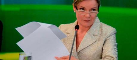Gleisi Hoffmann é membro titular da Comissão de Impeachment