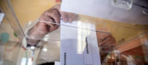 España vuelve a votar para superar el bloqueo político, a la ... - com.ni