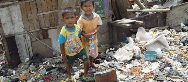 Pobreza infantil no mundo precisa ser urgentemente reduzida