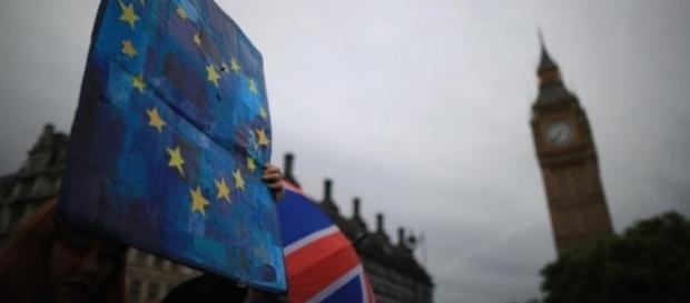 Ce se va întâmpla cu românii din Marea Britanie