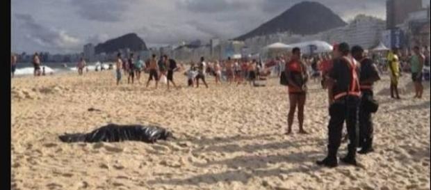 Corpo humano esquartejado foi encontrado em Copacabana. PM divulgou fotos