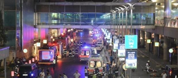 El aeropuerto de Estambul, minutos después de las explosiones