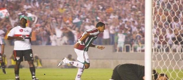 Gol de Washington nas quartas-de-final da Libertadores 2008: um dos históricos confrontos entre São Paulo e Fluminense (Foto: Cultura Mix)