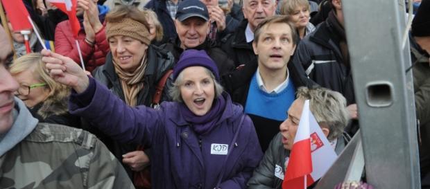 Marsz zwolenników Komitetu Obrony Demokracji