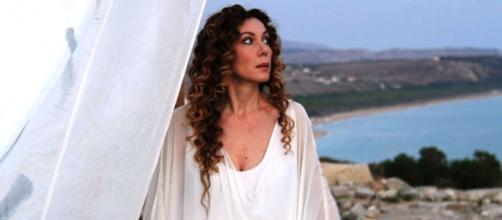 Elwonora Brigliadori, al Maurizio Costanzo Show, ha dichiarato di aver sconfitto il cancro con la dieta vegana