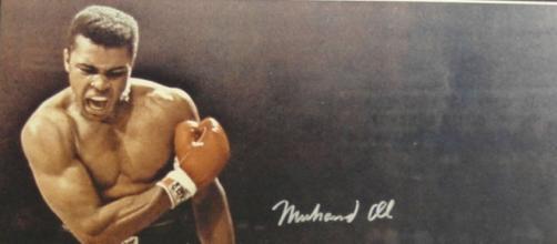 Morto Muhammad Alì, la legenda del pugilato