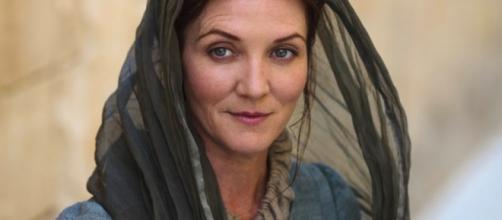 Nos livros, Catelyn Stark retorna como Lady Stoneheart (Foto: HBO)