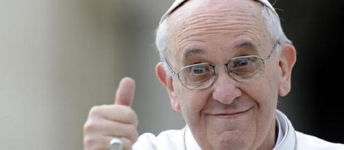 Papa Francesco con un 'Motu proprio' inasprisce le pene per gli alti prelati negligenti sui casi di abusi sessuali