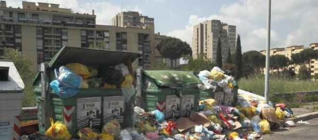 Emergenza rifiuti, Roma al collasso