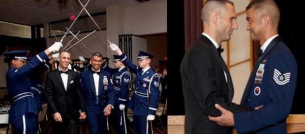 Militares liberam homem a casar com outro de farda