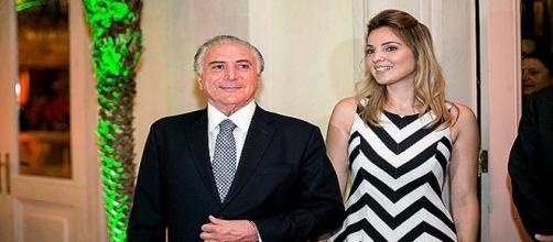 Michel Temer em companhia de sua esposa, Marcela, afirma progresso ao cenário político econômico do país