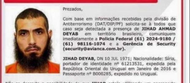 Autoridades pedem para que popoulação comunique imediatamente a Polícia Federal caso você tenha informações referentes a este sujeito.